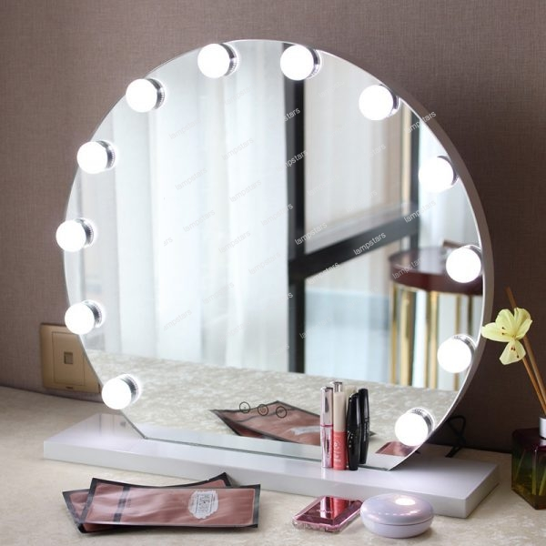 hollywood vanity mirror with light bulbs