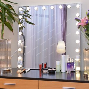 Large Light Up Makeup Mirror Square For Sale